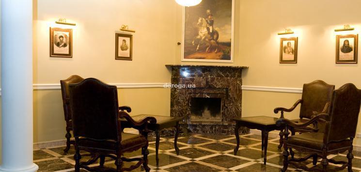 Отель Клуб 1812