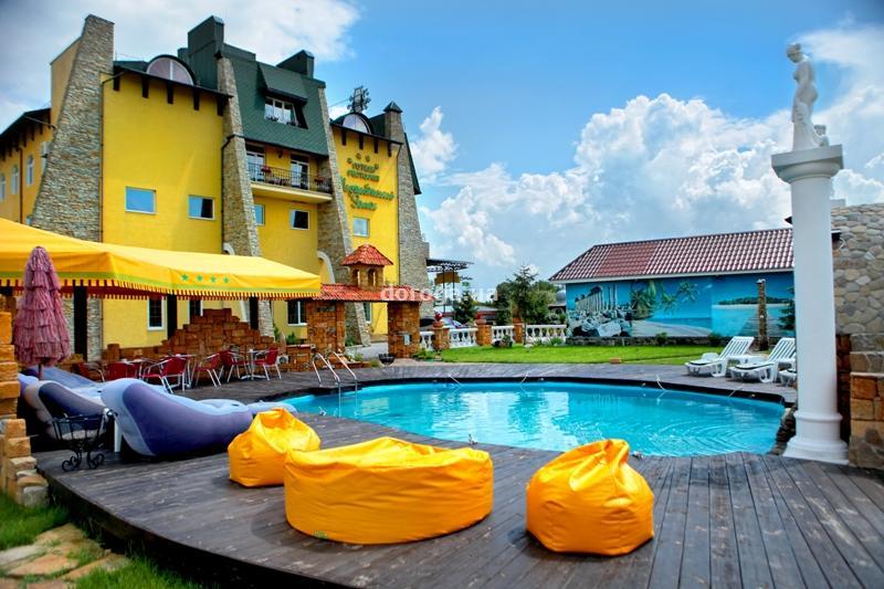 Отель Меджибожский замок