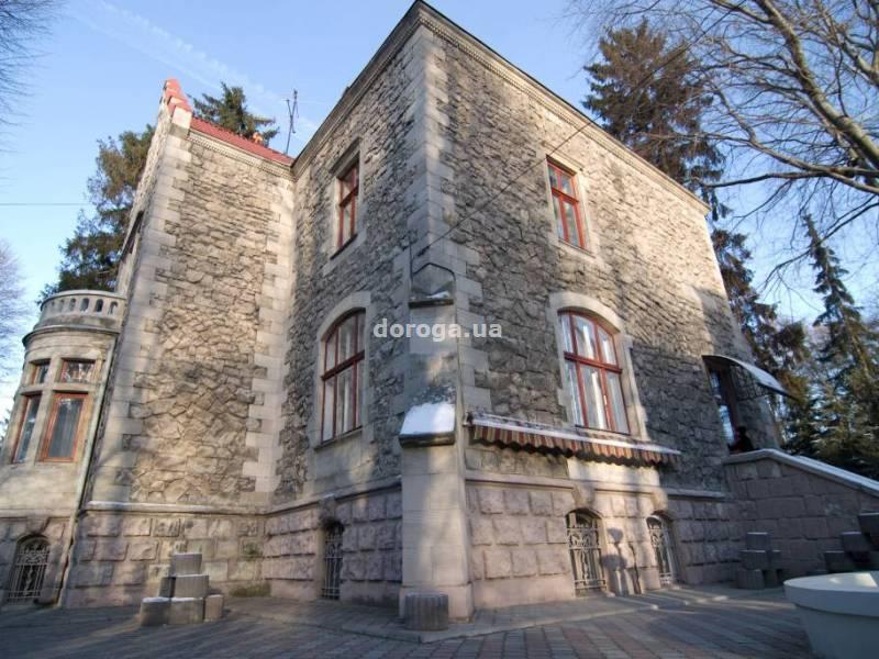 Отель Замок Льва