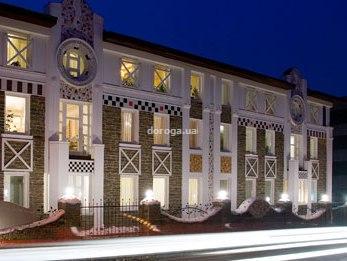 Отель Азания