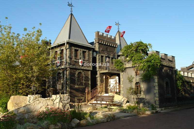 Отель Черный замок